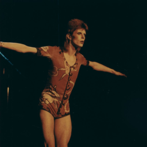 david-bowie-1972-wearing-the-so-called-rabbit-costume