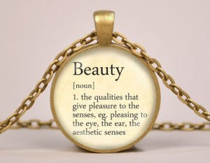 beauty pendant